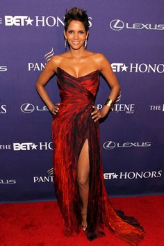Halley Berry who was honored for her philanthropy work last night at the BET Honors 2013 event, killed it in this fall 2012 red Monique Lhuillier gown.   source:fashionbombdaily.com