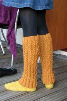 Ulla 03/11 - Ohjeet - Penni Knitting Stitches, Knitting Socks, Knitting Patterns, Thigh High Leg Warmers, Quick Knits, Boot Cuffs, Knitting Accessories, Mittens, Free Pattern