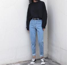 ( link) 26 Classy Fall Outfits To Copy For Fall outfits Newest fall outfits casual outfits; Mode Outfits, Jean Outfits, Fashion Outfits, Fashion Ideas, Jeans Fashion, Latest Outfits, 90s Style Outfits, Boyish Outfits, Normcore Fashion