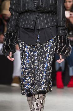 Cividini at Milan Fashion Week Fall 2018 - Details Runway Photos Milan Fashion Weeks, African Dress, Fall 2018, Sequin Skirt, Photos, Pictures, Runway, Sequins, Detail