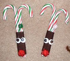 Candy Cane Crafts, Decorating with Candy Canes, Inexpensive Christmas Crafts, Holiday Crafts, Place cards Easy Christmas Crafts, Christmas Goodies, Christmas Candy, Christmas Projects, Simple Christmas, Winter Christmas, Holiday Fun, Christmas Ideas, Christmas Recipes