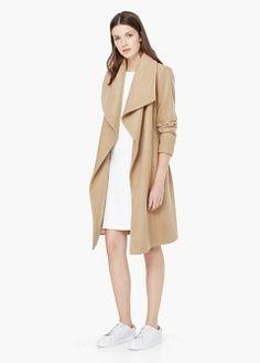 Vlněný kabát s klopami