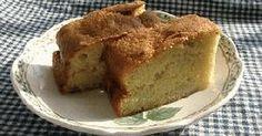 数多くのバナナケーキのレシピを試した中でいきついた、秘密のバナナケーキ。しかも、なんて簡単!バナナブレッドではなく、ケーキと呼びたくなる、しっとりおいしいレシピです。