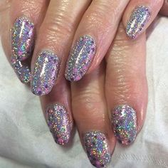 These gorgeous nails were created using Stargazer Glitter and don't they look great. Thanks to @stephydayspa for sharing this picture