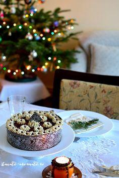 Tort cu ciocolată, cremă de brânză şi vişine | Bucate Aromate Cereal, Deserts, Ice Cream, Table Decorations, Breakfast, Food, Pie, No Churn Ice Cream, Morning Coffee