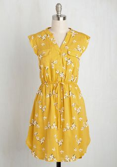 A Way With Woods Floral Dress in Sunshine | Mod Retro Vintage Dresses | ModCloth.com