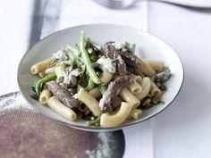 Pasta mit Rindfleisch, grünen Bohnen und Gorgonzola ist ein Rezept mit frischen Zutaten aus der Kategorie Kochen. Probieren Sie dieses und weitere Rezepte von EAT SMARTER!