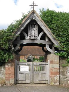 lych gate | Lych gate, St Kenelm's Church, Worcestershire:: OS grid SO9480 ...