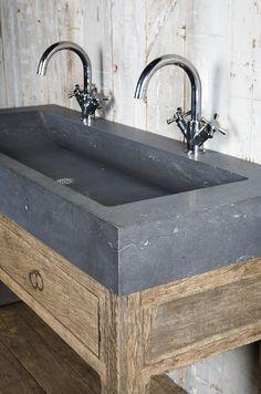badkamermeubel oud hout Oude bouwmaterialen bij Jan van IJken Eemnes ...