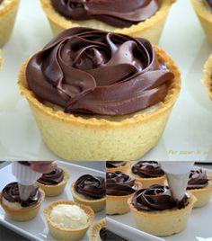 s w e e t s nail ideas with gems - Nail Ideas Mini Desserts, Delicious Desserts, Yummy Food, Dessert Drinks, Dessert Recipes, Mini Cakes, Cupcake Cakes, Boston Cream Pie, Mini Cheesecakes