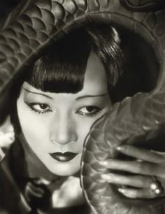 Anna May Wong (黃柳霜) (3rd January 1905 – 3rd February 1961) was the first Chinese-American movie star.