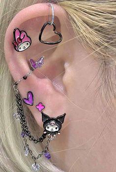 Ear Jewelry, Cute Jewelry, Jewelery, Jewelry Accessories, Pretty Ear Piercings, Grunge Jewelry, Accesorios Casual, Piercing Tattoo, Bling