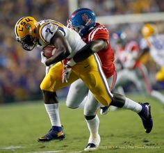 LSU RB Leonard Fournette Came Back From Injury Against Ole Miss And Ran For 284 Yards And Three TD's On 16 Carries (17 YPC). DOMINATION!!!