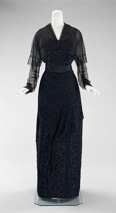 Evening dress, 1910. Silk