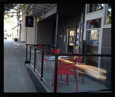 Yeah, another patio has opened on South Granville! Now we can all enjoy the fabulous food and drinks at The Stable House and this fabulous Vancouver summer weather all at the same time!