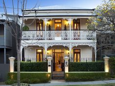Mountjoy Street  Brisbane Australian Architecture, Amazing Architecture, Victorian Terrace, Victorian Homes, Australia House, Queenslander, Victorian Architecture, White Houses, Beautiful Buildings