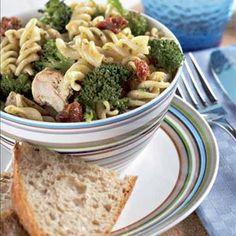 Kana-pestosalaatti Easy Cooking, Pesto, Potato Salad, Potatoes, Chicken, Dinner, Ethnic Recipes, Food, Dining
