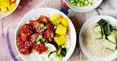 Havaijilainen poke yhdistää aasialaisia mausteita ja tuoretta lohta. Cobb Salad, Food, Meals, Yemek, Eten