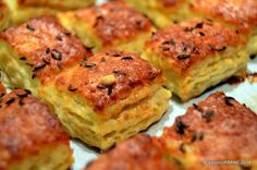 Pogacele cu jumari sau branza (11) Romanian Food, Pastry And Bakery, Salmon Burgers, Quiche, Biscuits, Muffin, Bacon, Food And Drink, Favorite Recipes