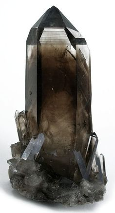 Smoky quartz is an excellent stone for   removing negativity of any kind and transforming them to positive energy. Very   protective and grounding stone. Brings physical and mental protection and   protection from negative energy. It enhances survival instincts, and can help   one reach personal goals.
