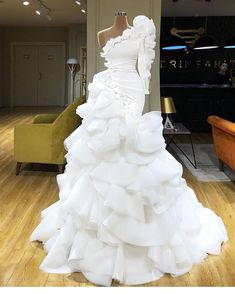 Find the perfect gown with Pageant Planet! Browse all of our beautiful prom and pageant gowns in our dress gallery. There's something for everyone, we even have plus size gowns! Sexy Evening Dress, Evening Dresses, Dream Wedding Dresses, Bridal Dresses, One Shoulder Prom Dress, Gala Dresses, The Dress, Gown Dress, Beautiful Gowns