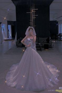 Prom Girl Dresses, Princess Wedding Dresses, Dream Wedding Dresses, Ball Dresses, Cute Dresses, Bridal Dresses, Ball Gowns, Wedding Dress Bustle, Sparkly Gown