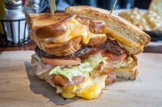 Late night eats in Toronto are almost as plentiful and diverse as our daytime…