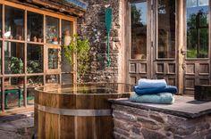 Výsledek obrázku pro modern wood cottage interior