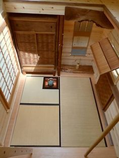 """tiny home is a Japanese """"Tea House""""- Sublime 134 sq. tiny home is a Japanese """"Tea House"""" : TreeHugger Source by labogenschneider - Japanese Tiny House, Traditional Japanese House, Japanese Interior Design, Traditional Kitchens, Traditional Bedroom, Portable House, Tiny House Living, Small Living, Modern Living"""