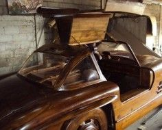 Mercedez-Benz 300SL Gullwing carved from wood