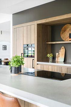 √ Scandinavian Kitchen Design For Your Lovely Home - Boxer JAM Kitchen Room Design, Kitchen Layout, Home Decor Kitchen, Interior Design Kitchen, Kitchen Furniture, New Kitchen, Home Kitchens, Timber Kitchen, Kitchen Walls