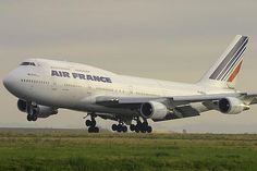 Air France, Boing 747 400, from Paris, France to Johannesburg, South Africa... the flight was scary :( ... - (image: Wikipedia) - ...