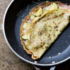 Zucchini Crepes with Ham Brunch Recipes, My Recipes, Savory Crepes, Griddle Cakes, Crepe Cake, Mille Crepe, Vegetable Recipes, Finger Foods, Entrees