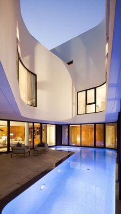 Beautiful Architecture - The Mop House. AGI Architects designed this beutiful and luxury house in Al-Nuzha, Kuwait. The house has a curved shape with a Agi Architects, Architecture Cool, Landscape Architecture, Villa, Cool Pools, Pool Designs, My Dream Home, Exterior Design, Future House