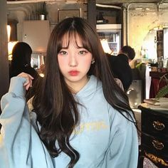 Korean Bangs Hairstyle, Hairstyles With Bangs, Girl Hairstyles, Human Bean, Girl Korea, Ulzzang Korean Girl, Uzzlang Girl, Cute Korean, Aesthetic Girl
