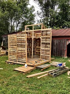 pallet-house: Their are more photographs of the construction process on this site.