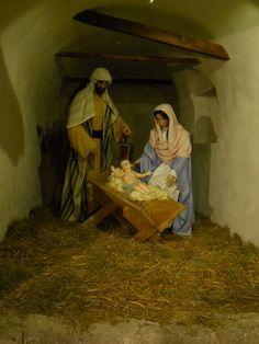 Tesero 5: life-size Nativity.