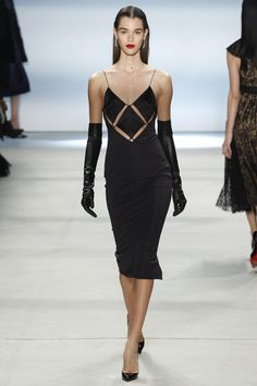Cushnie et Ochs Fall 2016 Ready-to-Wear Fashion Show  http://www.theclosetfeminist.ca/   http://www.vogue.com/fashion-shows/fall-2016-ready-to-wear/cushnie-et-ochs/slideshow/collection#19