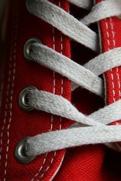all star Macro Photography Tips, Object Photography, Photography Challenge, Abstract Photography, Red Converse, Converse Sneakers, Converse All Star, Converse Classic, Converse Wallpaper