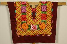 Huipil ANTIGUO de Mexico: blusa de tehuana VINTAGE de colección, técnica antigua, cadenilla y flores sobre satín, hecho en el Sur de MEXICO de CadenillayFlores en Etsy