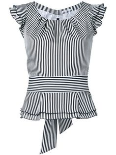Shoppen Guild Prime Gestreiftes Top mit Volants Shop Guild Prime Striped top with flounces Blouse Patterns, Blouse Designs, Bluse Outfit, Sewing Blouses, Blouse Styles, Work Attire, Mode Inspiration, Mode Style, African Fashion