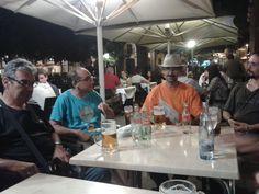 De relax en la Plaça de la Independència (Girona) / Taking a rest in Plaça de la Independència (Girona). #Ludivers #asylumgames #Girona #boardgames #jocsdetaula #juegosdemesa #spiel #jeux #boardgamegeek #bgg #tabletop