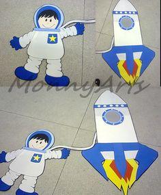 Painel Astronauta, em eva. Alt.: 1,20m
