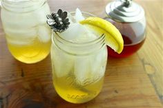 Bet you already have all 5 ingredients for this honey-lemon cocktail