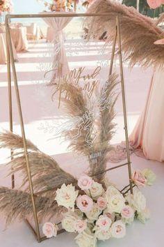 Lilac Wedding, Boho Wedding, Wedding Bouquets, Wedding Flowers, Bohemian Weddings, Woodland Wedding, Wedding Outfits, Romantic Weddings, Wedding Couples