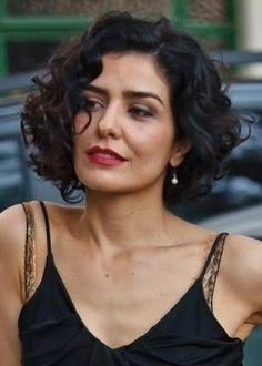 80 Bob Hairstyles To Give You All The Short Hair Inspiration - Hairstyles Trends Wavy Bob Hairstyles, Haircuts For Curly Hair, Short Wavy Hair, Curly Hair Cuts, Curly Hair Styles, Hairstyle Short, Medium Hairstyles, Long Hair, Great Hair