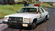 Old Police Cars, Ford Police, State Police, Radios, Police Car Pictures, Rescue Vehicles, Police Vehicles, 4x4, Law Enforcement