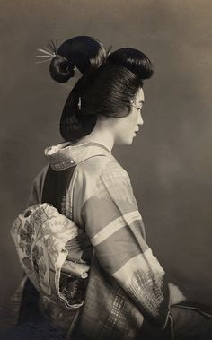 "warasa: "" My grandmother この髪は地毛で結っています。 Photo taken about 1930's, Japan """