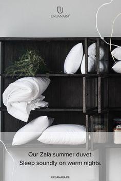 Sie wird für uns in Deutschland mit großer Sorgfalt nach OEKO-TEX® Standard 100 angefertigt und mit 90% europäischen Gänsedaunen und 10% Federn gefüllt, die mit dem Daunacara®-Siegel ausgezeichnet sind. Eine Hülle aus reiner Baumwolle mit Satinbiese rundet unsere hochwertige Bettdecke ab. Entdecken Sie handverlesene Heimtextilien und Wohnaccessoires von höchster Qualität im URBANARA Onlineshop. Natural Bedroom, Soft Blankets, Linen Bedding, Bed Pillows, Pillow Cases, Home, Nature Bedroom, Comforters Bed, Home Decor Accessories
