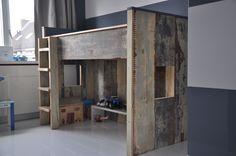 Hoogslaper van sloophout van MAEK meubels